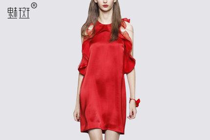 魅斑2017夏新款女装无袖挂脖显瘦荷叶边性感漏肩红色连衣裙一步裙